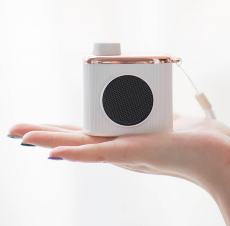Mini Retro Camera Shaped Bluetooth Speaker
